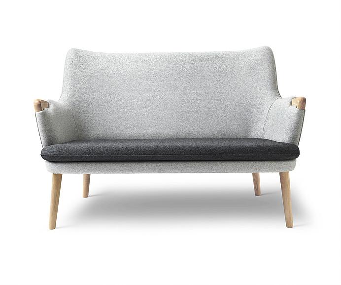 Wegner CH72 sofa