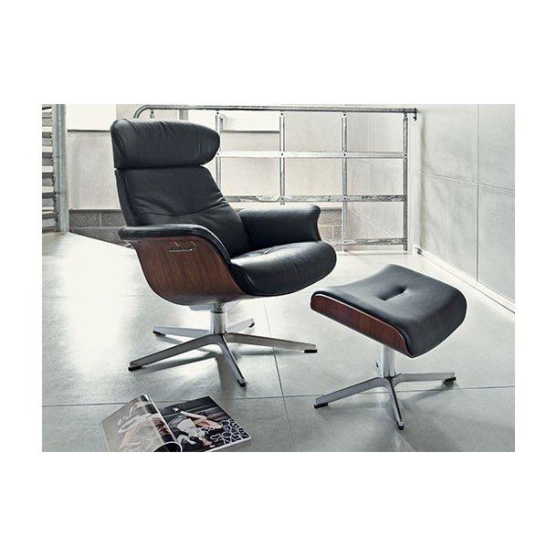 Time Out lænestol og skammel sort Fantazy læder og valnød